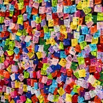 Pared llena de post-it